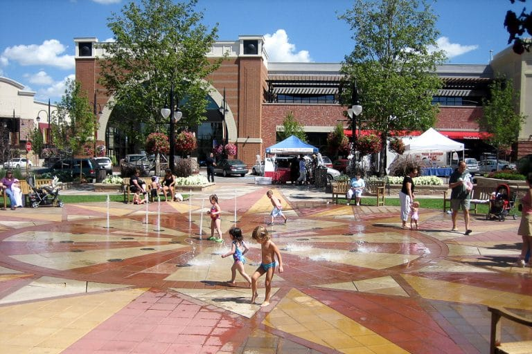 Interactive pop jets in outdoor mall plaza.