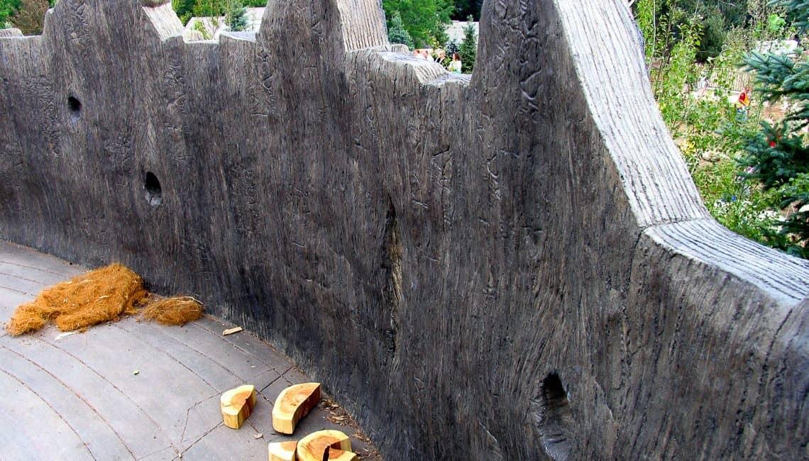 Wood tree stump wall at Botanic Gardens